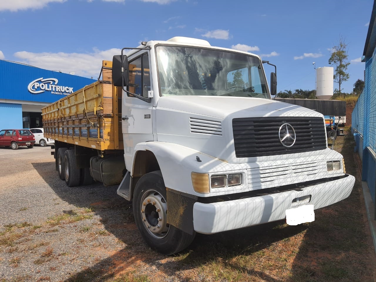 Caminhão MB 1418